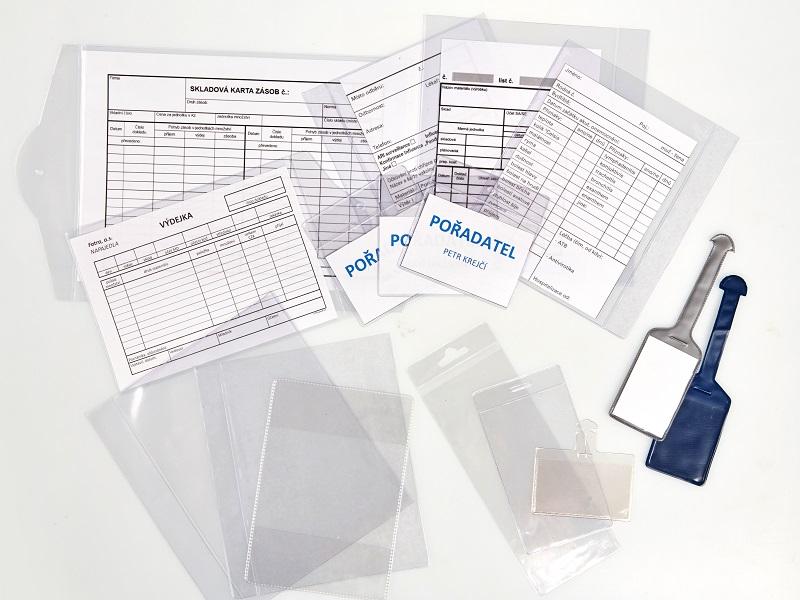 Aplikace transparentní fólie, obaly na spisy, visačky
