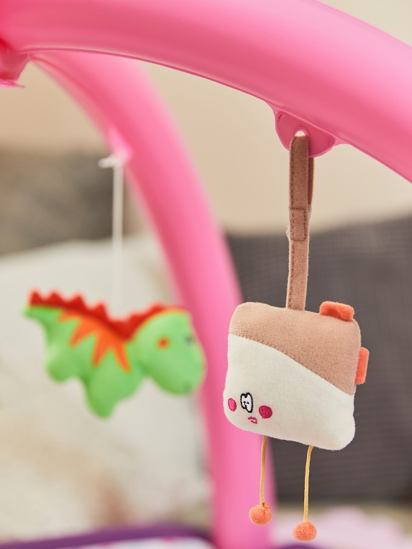 Detail of the toy for hanging toys / Fatra